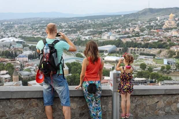 Рекордное падение: число авиапассажиров из России в Грузию сократилось на 80%