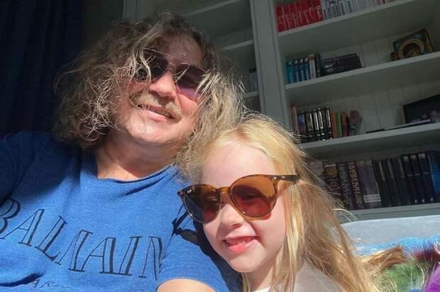 Игорь Николаев показал портрет Аллы Пугачевой от 5-летней дочери