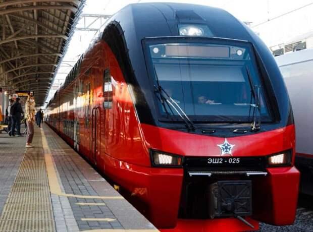 От станций «Ростокино» и «Ботанический сад» начал ходить двухэтажный поезд