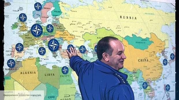 Американский аналитик объяснил план НАТО по полной изоляции России от Арктики до Кавказа