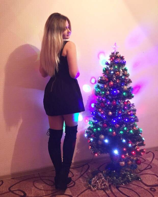 Новогодние девушки из соцсетей