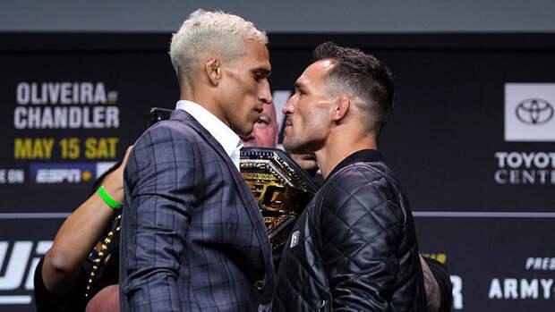Чарльз Оливейра— Майкл Чендлер, бой затитул чемпиона UFC влегком весе: смотреть трансляцию