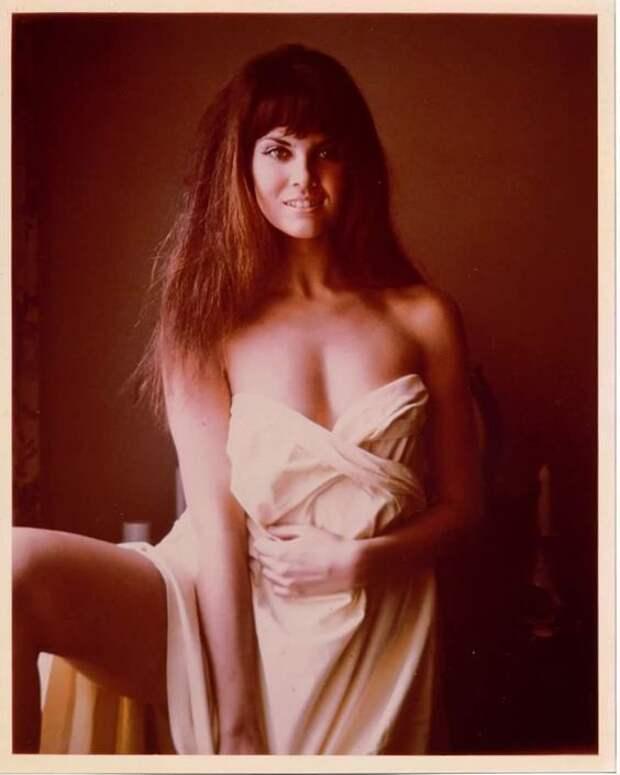 Секс - символ 70-ых Кэролайн Манро.
