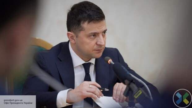 Рейтинг президента Зеленского снизился с 27% до 22,1%
