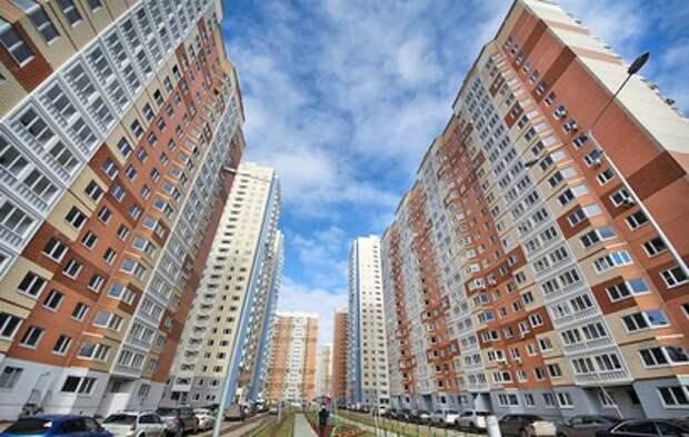Путин призвал строить больше жилья