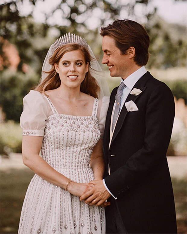 """Принцесса Беатрис дала редкий комментарий о сыне Эдоардо Мапелли Моцци: """"Для меня честь быть его мачехой"""""""