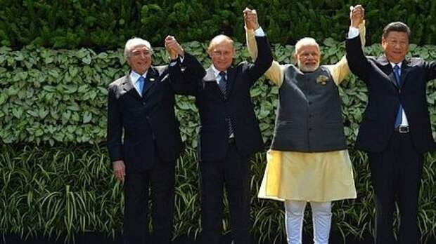 Путин примет участие в церемонии начала строительства атомного объекта