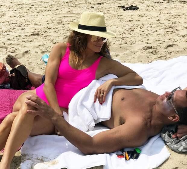 Старые новые отношения: история любви 51-летней Дженнифер Лопез и 48-летнего Бена Аффлека