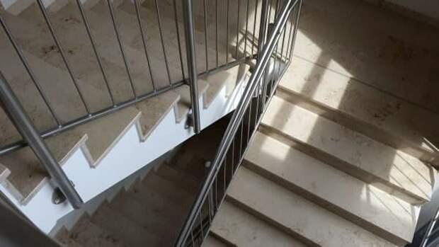 В доме на Бутырской убрали следы жизнедеятельности бомжей