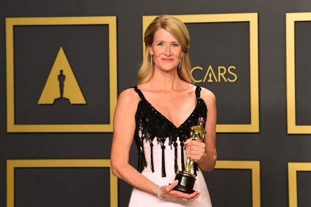 «Оскар» перенесен на апрель
