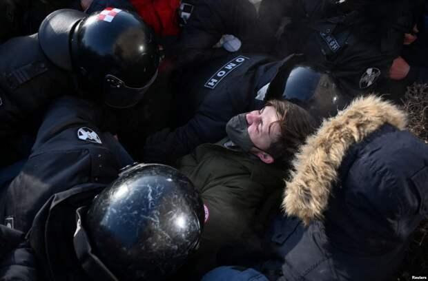 Россия вышла за Навального (фото).