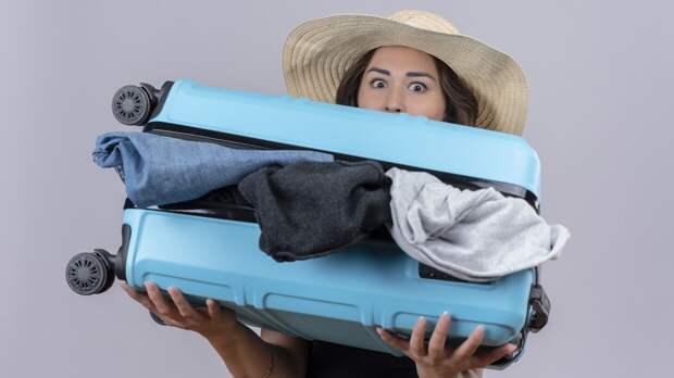 Пять дорожных лайфхаков помогут девушкам укомплектовать вещи в чемодане