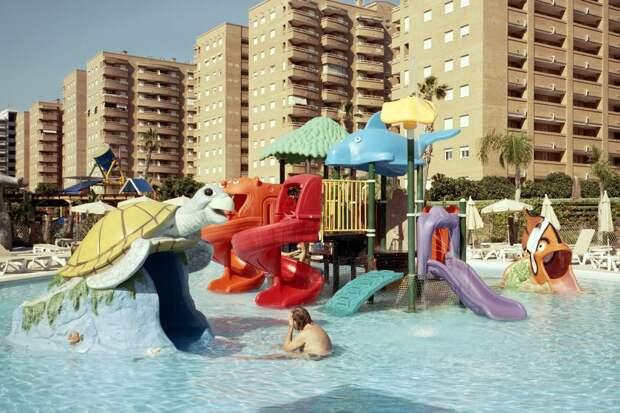 10 фото отдыха в Испании, которые выглядят так, будто сделаны в Геленджике