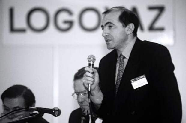 Борис Березовский на советах директоров «ЛогоВАЗа». Фото: kp.ru