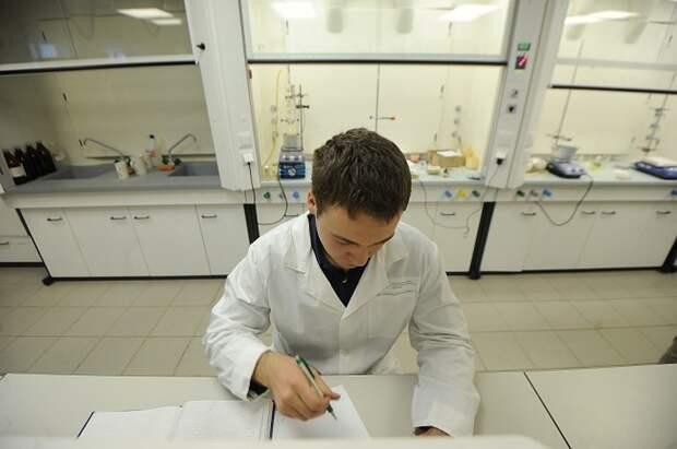 В Британии выявили новый штамм коронавируса B.1.621