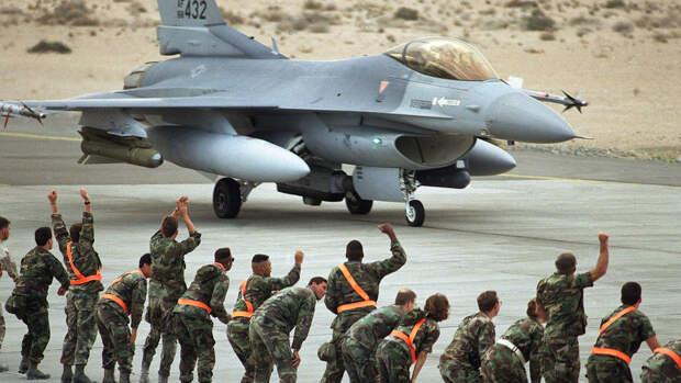 США увеличат количество авиабаз с ядерным оружием