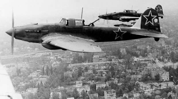 Легендарный ас Сидоренков в одиночку выступил против 52 фашистских самолетов