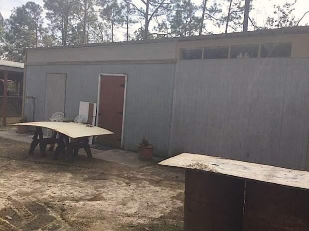 У нее был старый металлический гараж. И вот что она из него сделала!