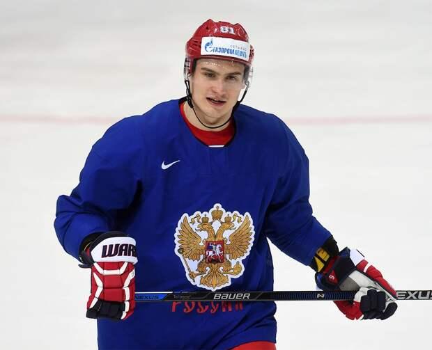 Орлов: «Не спал сутки, был очень тяжелый перелет. Жду не дождусь, когда можно будет выйти на лед»