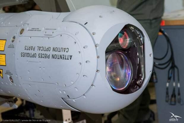 Подвесной прицельный контейнер Thales TALIOS: будущее ВКС Франции