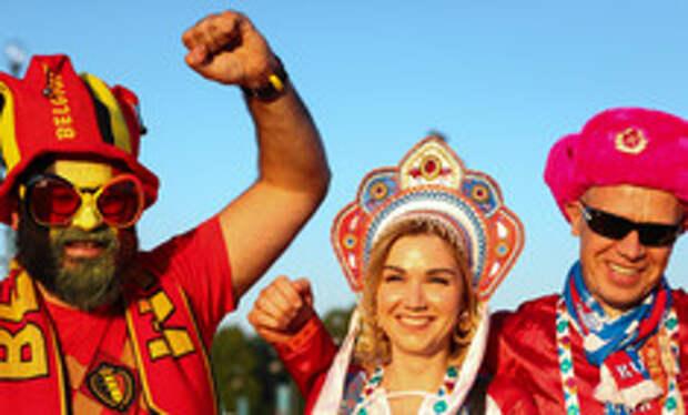 Шот из борща, свадьба на Рубинштейна и болельщики-чебурашки: как гуляет Питер на ЕВРО-2020