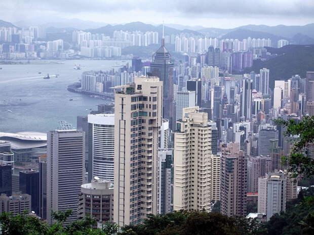 Гонконг объявил о признании всех российских вакцин с 29сентября