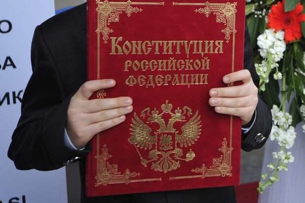 По мнению президента РАН, государство должно защитить российских учёных и поддержать научные проекты