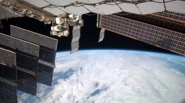 Космический корабль «Союз МС-18» с Пересильд и Шипенко на борту отстыковался от МКС
