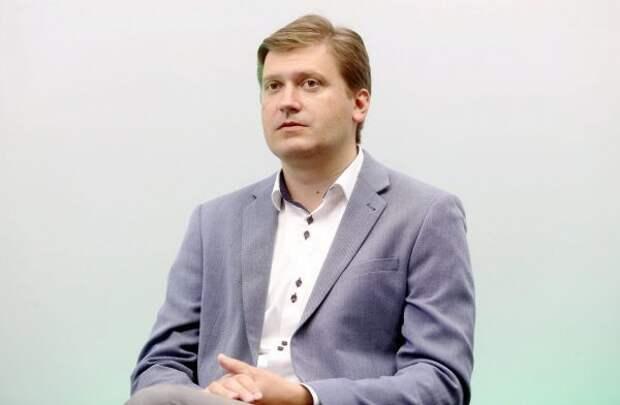 Политик: Государство целенаправленно вымарывает русский язык изжизни Латвии