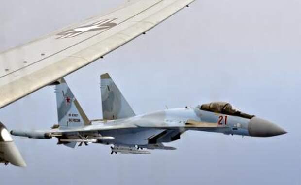 На фото: российский истребитель Су-35