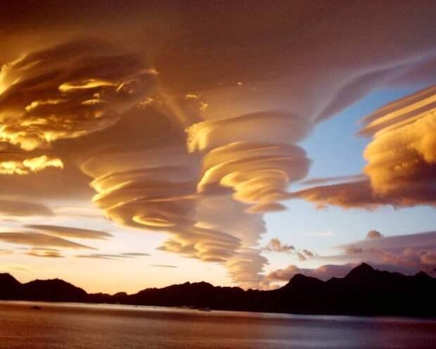 Странное природное явление - необычные облака