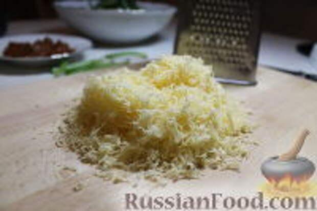 Фото приготовления рецепта: Запеканка из спагетти, со шпинатом и ветчиной - шаг №7