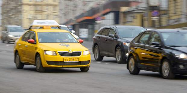 На Проспекте Мира водителя остановили за чрезмерную тонировку стекол авто
