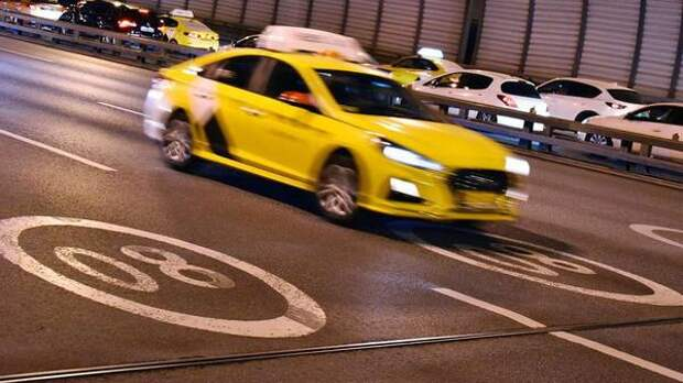 Москвичи пожаловались на рост стоимости такси из-за забастовки