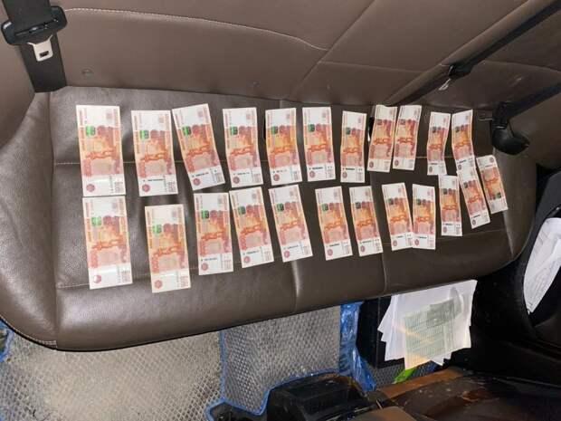 Сотруднику Госкомводхоза Крыма вменяют взяточничество на 2,2 млн руб
