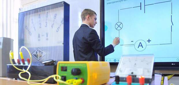 Собянин открыл новый учебный корпус школы № 1302 в Строгино. Фото: mos.ru