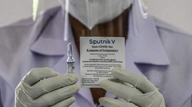 «Ничем другим прививаться не буду»: ради вакцинации «КовиВаком» Центра Чумакова россияне ездят в другие регионы