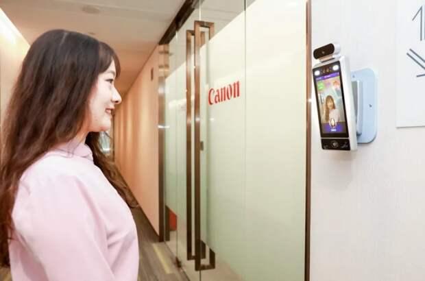 Камеры в китайских офисах Canon пустят на работу только улыбающихся сотрудников