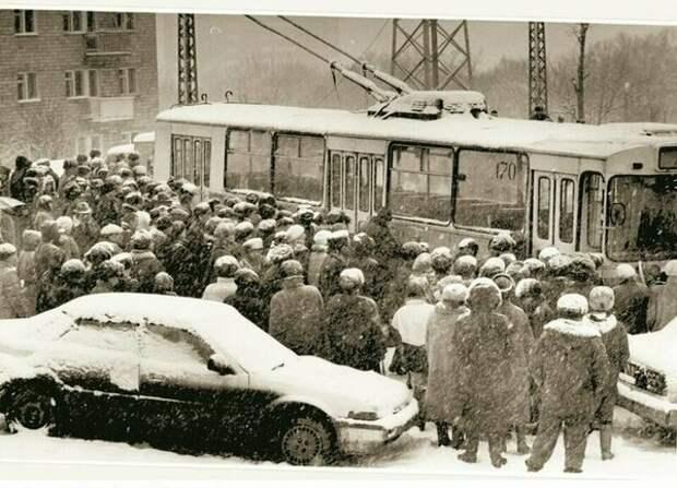 Как в 90-е замерзали города России