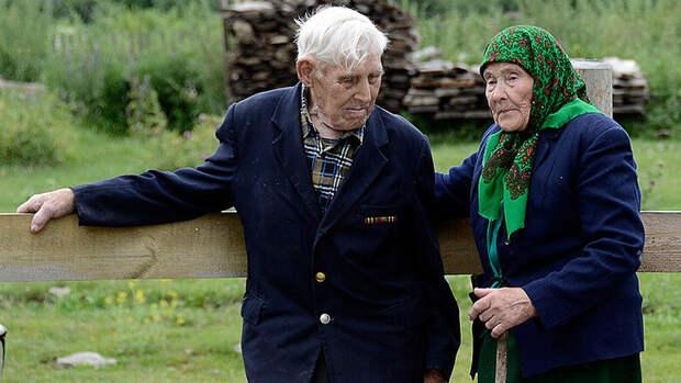 Дорогие мои старики… Они не привыкли жаловаться, просто работают на земле