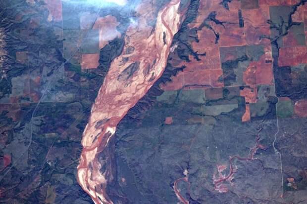 4. Prairie Dog Town Fork Red River, граница Техаса и Оклахомы земля, космонавт, космос