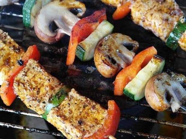 Шеф-повар предложил полезную замену традиционным шашлыкам