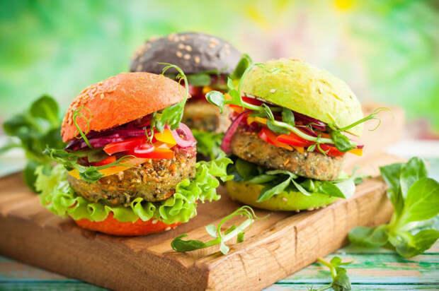 Вегетарианские бургеры. \ Фото: frendi.ru.