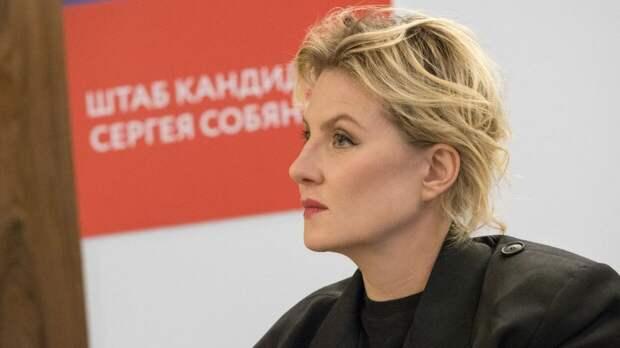 """Режиссер Рената Литвинова озвучила """"Яндекс.Карты"""""""