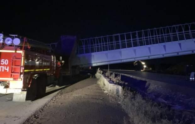 В Пермском крае пешеходный мост рухнул на автомобили
