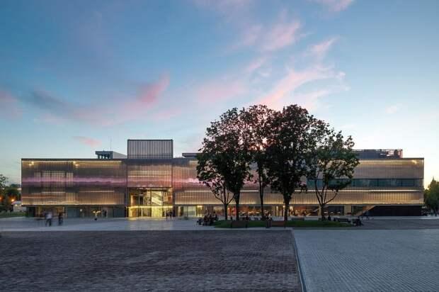 Музей «Гараж» представил программу летнего сезона кинотеатра Garage Screen