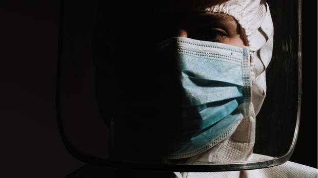 Врач из Нью-Йорка объяснил смерти и недомогания после вакцинации от коронавируса