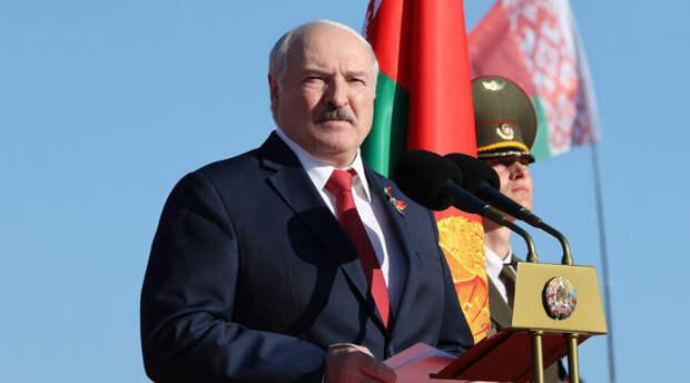 «Совбез - это не одни силовики»: президент Беларуси уточнил резонансный декрет о передаче власти