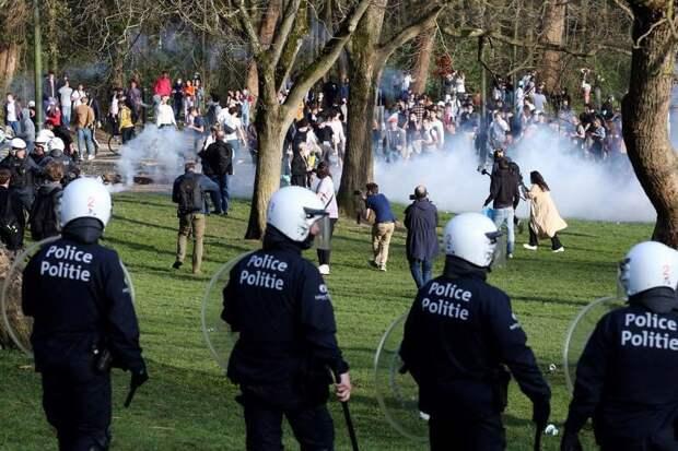 В Брюсселе первоапрельская шутка привела к массовым беспорядкам