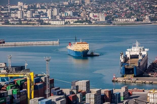 Новороссийский порт оштрафовали за загрязнение моря
